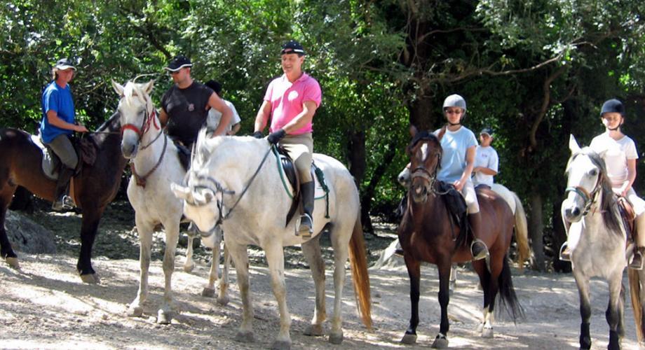 Rutas a Caballo con Niños y Adultos- Cortijo Las Minas